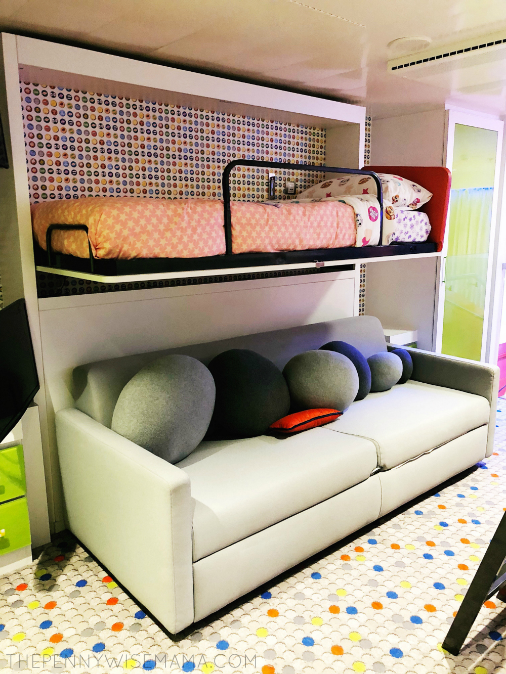 Ultimate Family Suite Royal Caribbean Symphony of the Seas - Kid's Bedroom