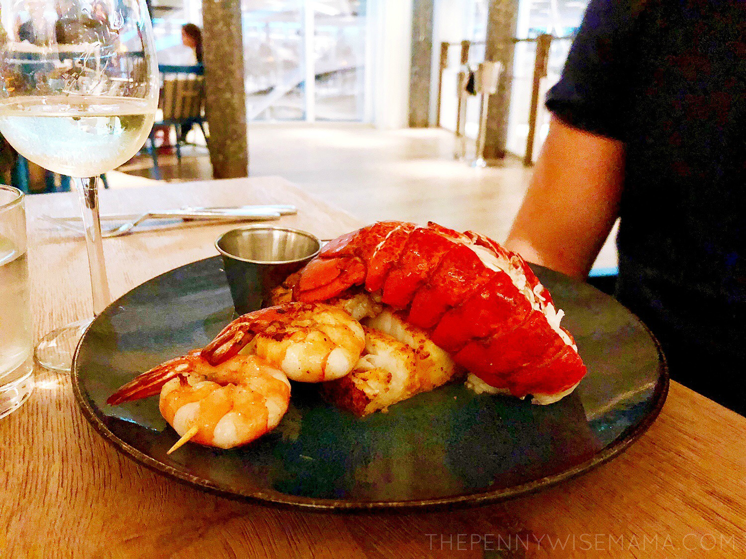 Hooked Seafood - Symphony of the Seas